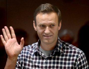 EU exige a Rusia permitir a médicos independientes atender de 'inmediato' a Navalni