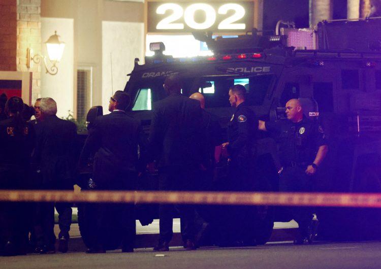 EU: tiroteo en edificio de California deja 4 muertos, entre ellos unniño