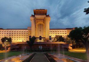 Convierten hotel de lujo en hospital para jueces en India