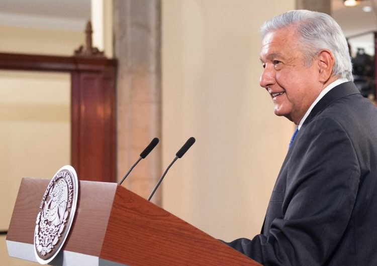 Califica AMLO golpe a democracia retiro de candidaturas