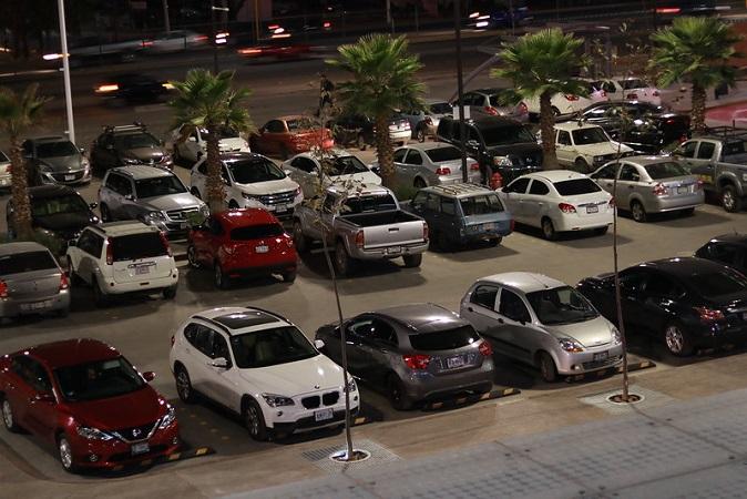 Aprueba Cabildo de Aguascalientes aumento de un peso en tarifas de estacionamientos