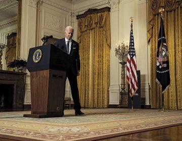 Joe Biden: acorralado en una muralla china