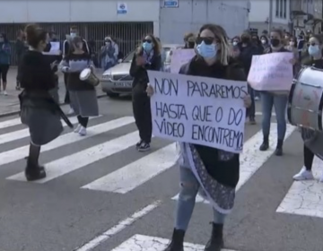 España: un centenar de mujeres exige justicia tras ser grabadas orinando en la calle y aparecer en sitios web porno