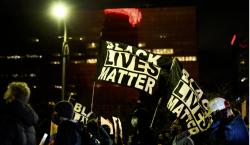 EU: policía de Minnesota dispara y mata a joven negro…