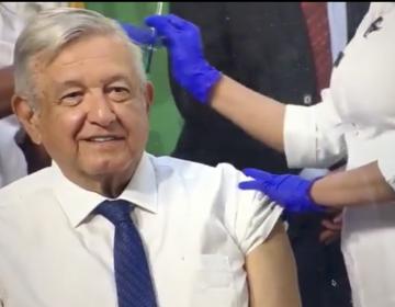 AMLO recibe primera dosis de la vacuna AstraZeneca contra el covid-19