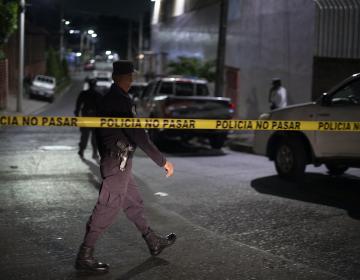 El Salvador: ACNUR condena asesinato de mujer transgénero desplazada por amenazas de pandillas