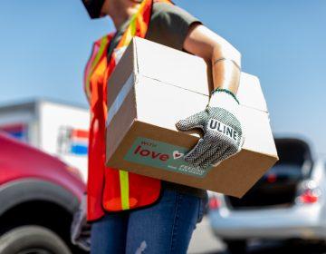 Continúa Feeding San Diego distribución masiva de alimentos
