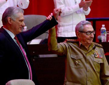 Miguel Díaz-Canel es el primer civil en dirigir el partido que gobierna en Cuba