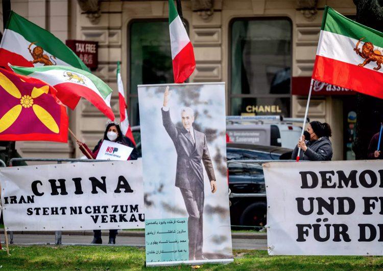 Irán lanza señales de apertura para un intercambio de prisioneros con EU