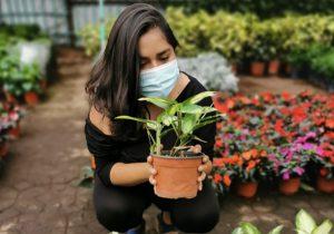 Conectar con las plantas, el aprendizaje de una joven emprendedora en la pandemia
