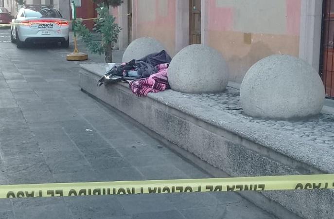 Muere indigente de 65 años en el Jardín de las Jacarandas en Aguascalientes