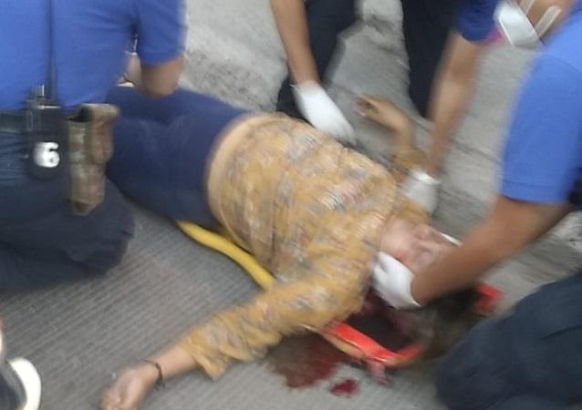 Mujer intenta suicidarse arrojándose del tercer piso de su domicilio en Aguascalientes