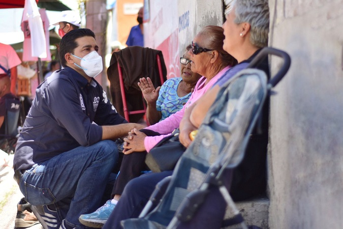 Promete Leo Montañez mejor infraestructura para tianguistas de Aguascalientes