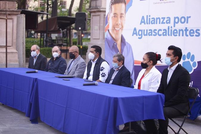 """Propone Leo Montañez """"Médico en tu casa"""" y otros programas a favor de la salud"""
