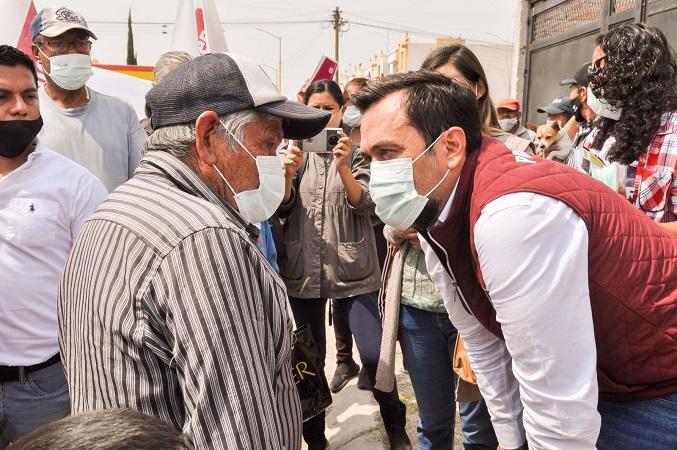 Arturo Ávila lleva agua potable a colonias de Aguascalientes