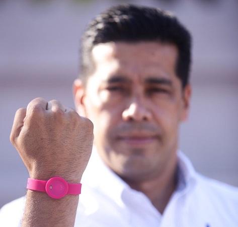Implementará Leo Montañez pulsera rosa para atender violencia hacia mujeres