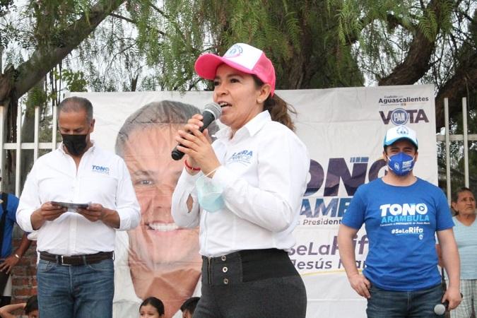 Recibe Laura Ponce respaldo del sector económico de Jesús María