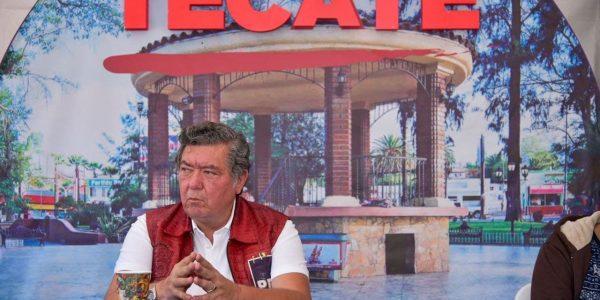 Propone Hank ampliar aduana de Tecate