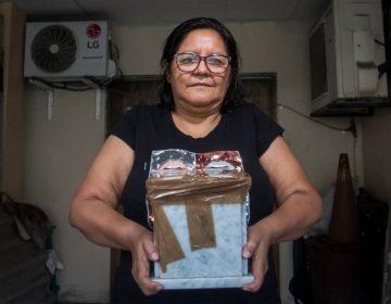 Ecuador: la mujer que vive desde hace 10 meses con las cenizas de un desconocido en el garaje