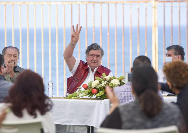 Este gobierno orilló al cierre de PyMES, dice Hank Rhon; promete seguridad, educación y desarrollo