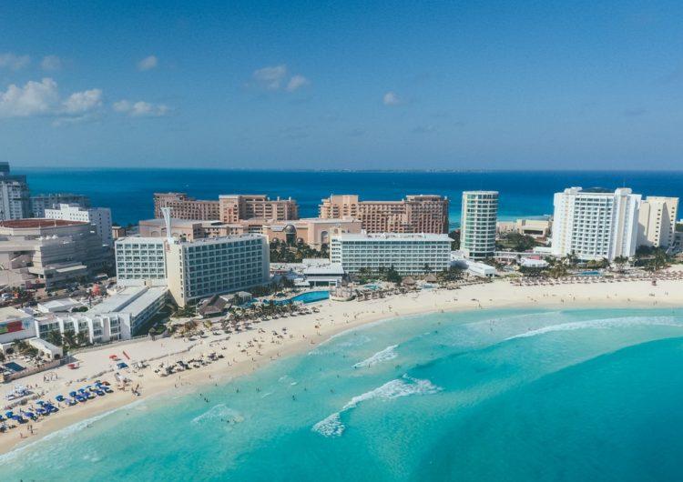 Abarrotan turistas playas y sitios de diversión