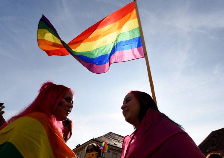 Iglesias alemanas desafían al Vaticano y bendicen a parejas del mismo sexo