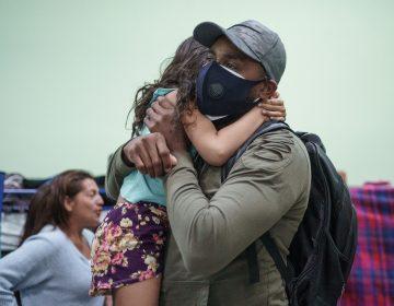Gobierno de EU se reunirá con familias migrantes separadas durante el gobierno de Trump