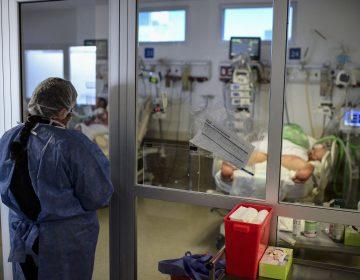Covid-19: hospitales en el continente americano están 'peligrosamente' llenos, alerta la OPS