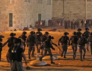 Al menos 169 heridos en choques entre policía israelí y palestinos en Jerusalén