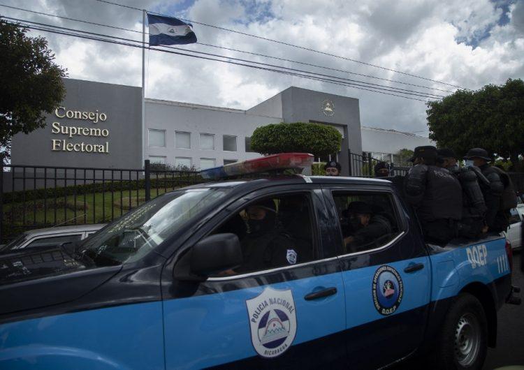Policía de Nicaragua allana las oficinas de opositores y medios críticos al gobierno de Daniel Ortega