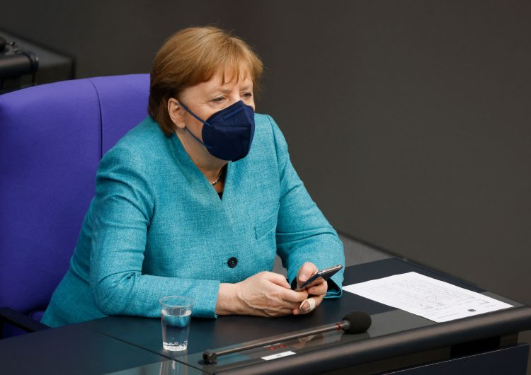 Alemania: los dos favoritos para suceder a Merkel mantienen divergencias en relaciones con Rusia y China