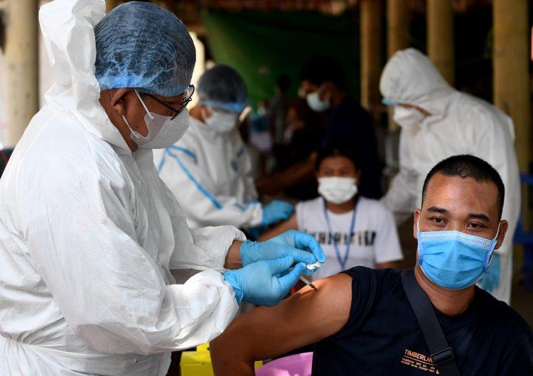 OMS: las vacunas aprobadas son eficaces contra todas las variantes del coronavirus