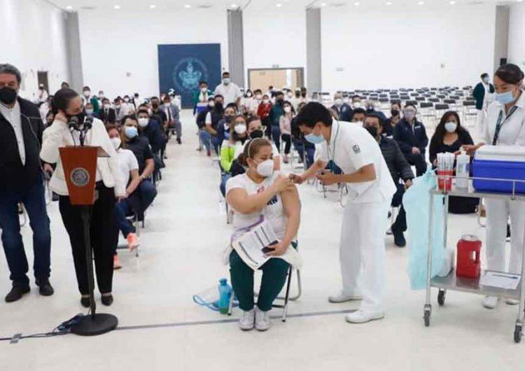 Arranca en la BUAP vacunación anti Covid de maestros de Puebla