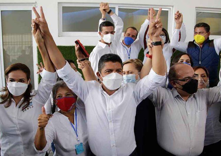 Felipe Calderón en Puebla para apoyar a los candidatos del PAN