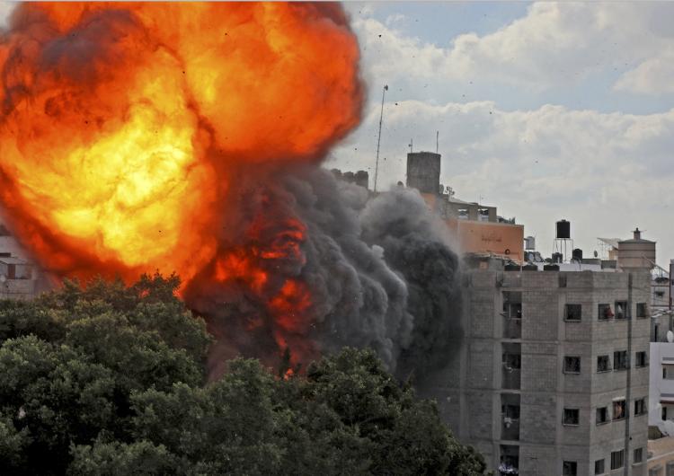 Israel intensifica bombardeos en Gaza; ya son 83 los palestinos muertos, entre ellos 17 niños