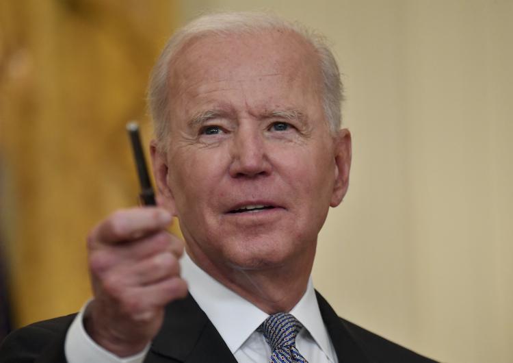 Biden pide informe para conocer si el covid-19 surgió de un animal o de un laboratorio