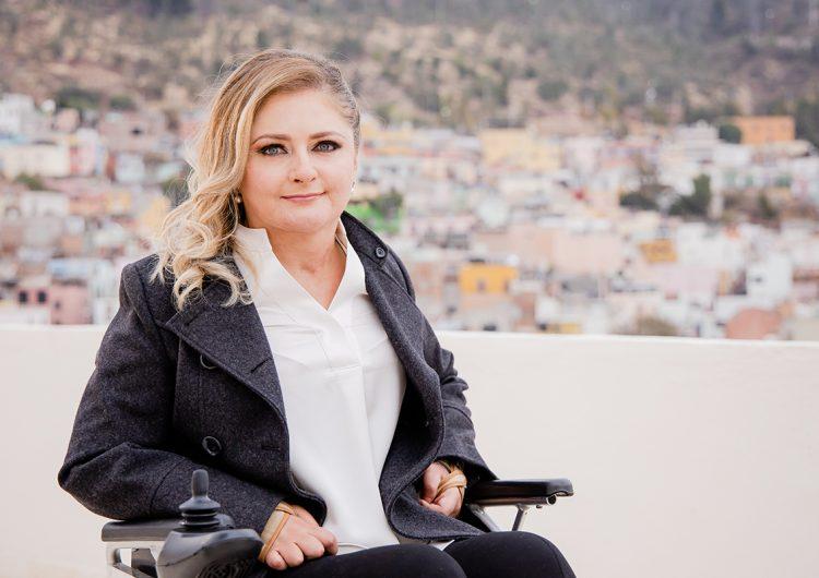 Seguro popular universal para garantizar la atención médica, propone Claudia Anaya en Zacatecas