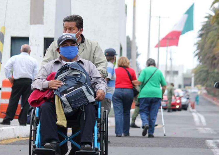 Barbosa: Lamentable error llevar a los abues a la zona militar para vacunarse
