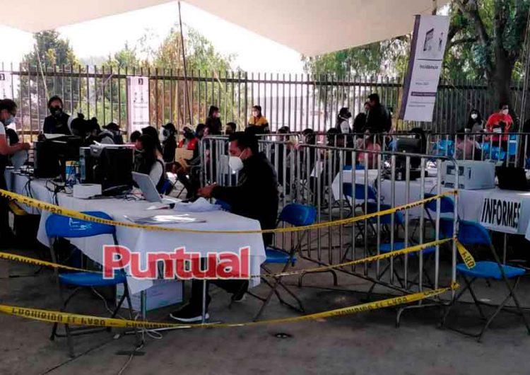 Primer día de vacunación a maestros de Texmelucan, Puebla sin contratiempos