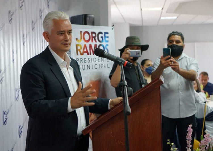 Promete Ramos dar licencias únicas para reactivar comercio