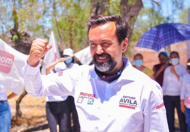 Presenta Arturo Ávila propuestas a habitantes de Peñuelas
