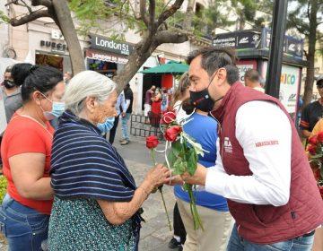 Promete Arturo Ávila cancelar oficina de presidencia municipal y atender en las calles