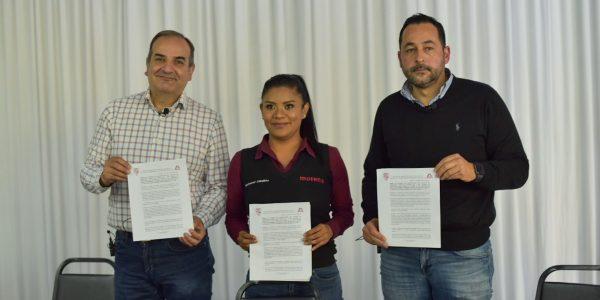 Firma Montserrat Caballero compromiso con ingenieros y arquitectos