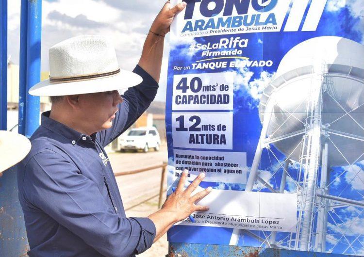 Toño Arámbula garantiza tanque elevado en Venadero