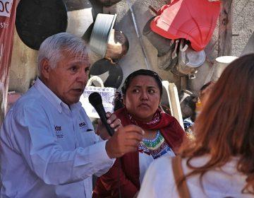 Héctor Mares promete dar seguimiento a peticiones