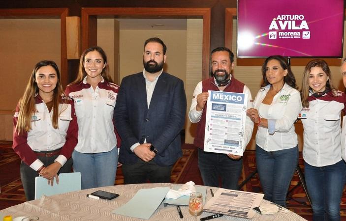 Presenta Arturo Ávila propuestas ante integrantes de la COPARMEX Aguascalientes