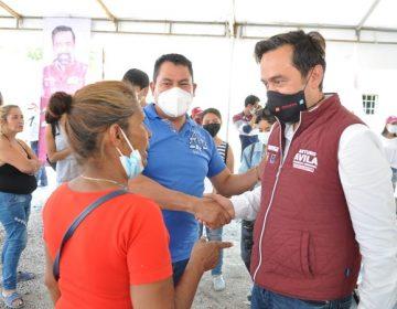Promete Arturo Ávila transparencia en entrega de licencias a comerciantes