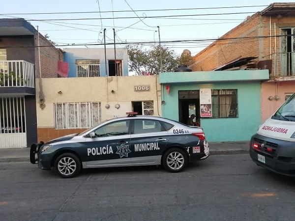 Hombre salva a su esposa que intentó quitarse la vida en Aguascalientes