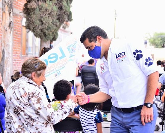 Propone Leo Montañez pulseras de monitoreo de salud para adultos mayores