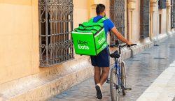 El gobierno español aprueba la reforma para convertir a repartidores…